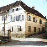 Alte Pfarrschule am Weizberg, heute Kaufhaus und Cafe Loder
