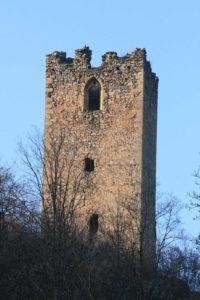 Bergfried der Ruine Sturmberg